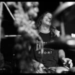 אמן כלי ההקשה גלעד דוברצקי עושה מוסיקה