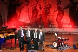 המחווה לדייב ברובק עם בנו- דאריוס ברובק ודייב אוהיגנס- פברואר 2012